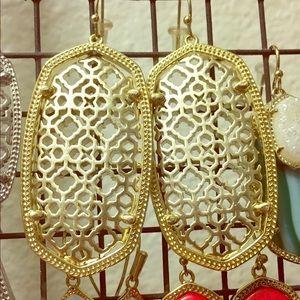 EUC Kendra Scott Danielle earrings